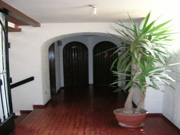 View Cute fully furnished apartment