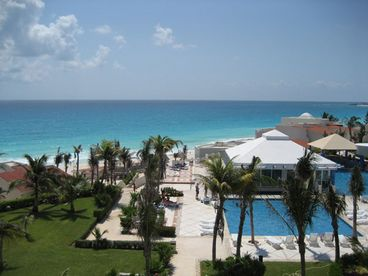 View Cancun Luxury Ocean Front Studio