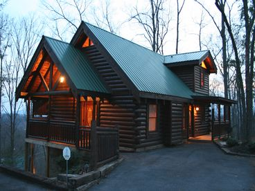 View Luxury Log Cabin Mountain Views