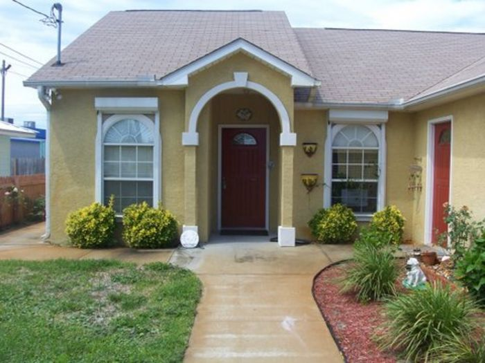 View 3 Bedroom 2 Bath Home Private