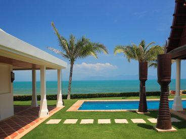 View Beachfront 3 Bedroom Luxury Villa