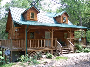 View 3 BR 25 Bath Quiet Cabin Close