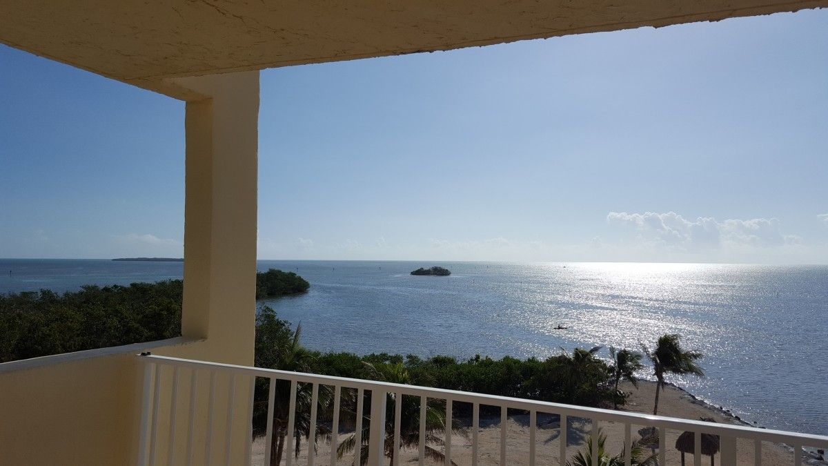 View OCEANFRONT End Unit Pool Free