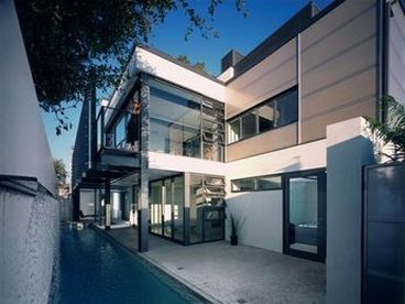 View Santa Monica Beach House with pool