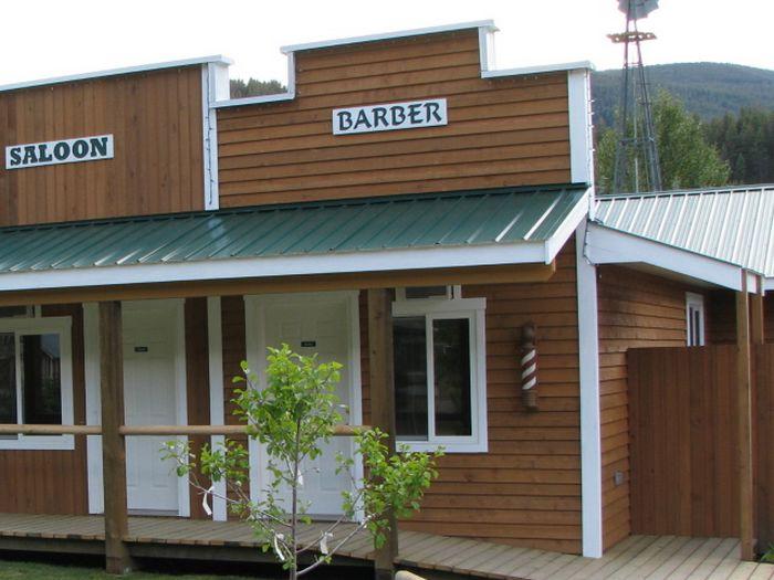 View MozeyOnInn  Barbershop