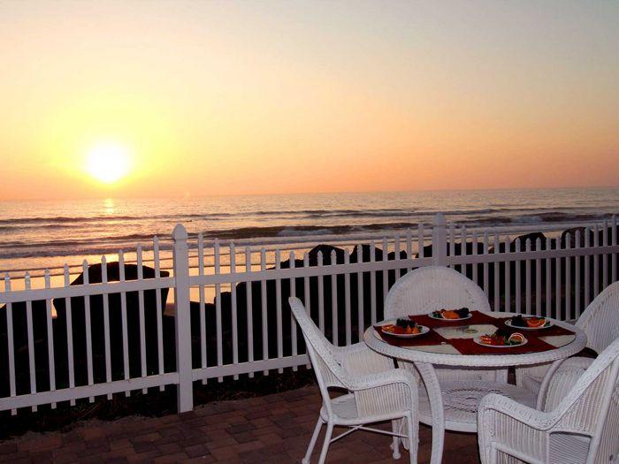 View P9182  Charming Beachfront