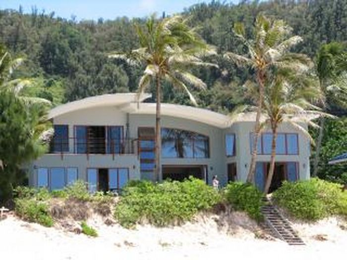 View Blue Wave House at Pipeline