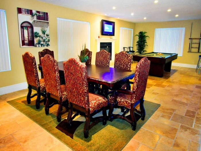 View The 8 BDRMS Luxury Villa