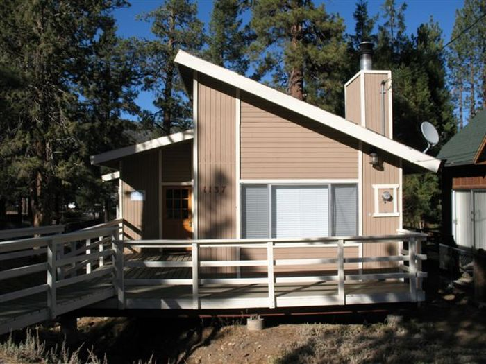 View Bear Cub Cabin
