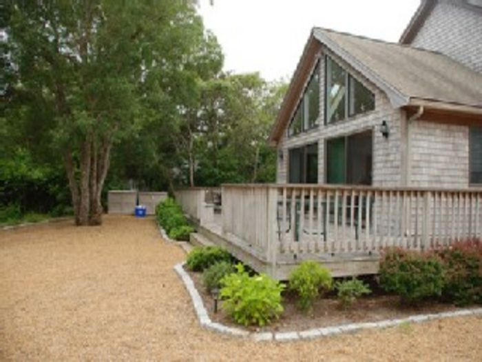 View Sunny Contemporary in Edgartown