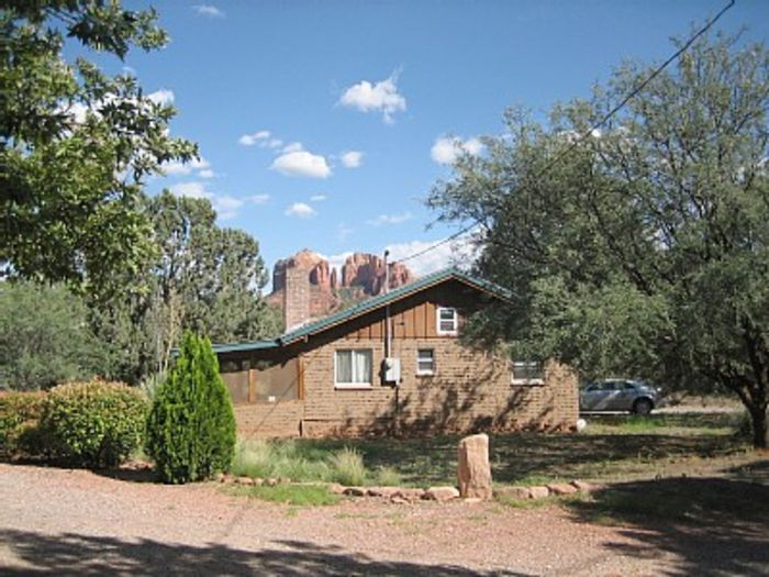 View Sedona cabin with awesome Cathedral