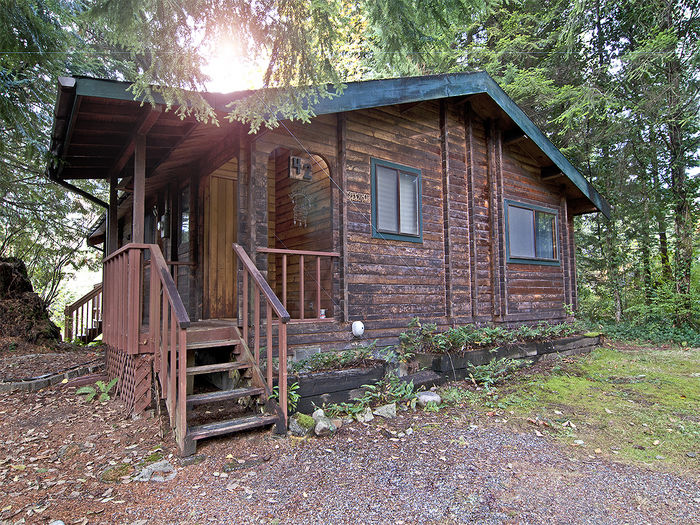 View Skykomish Sunrise Cabin majestic