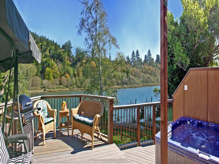 View Chetco River Resort Cabins