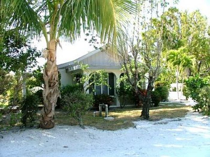 previous en hotels us shalimar rendition island in beachfront on cottage home sanibel listing next motel cottages