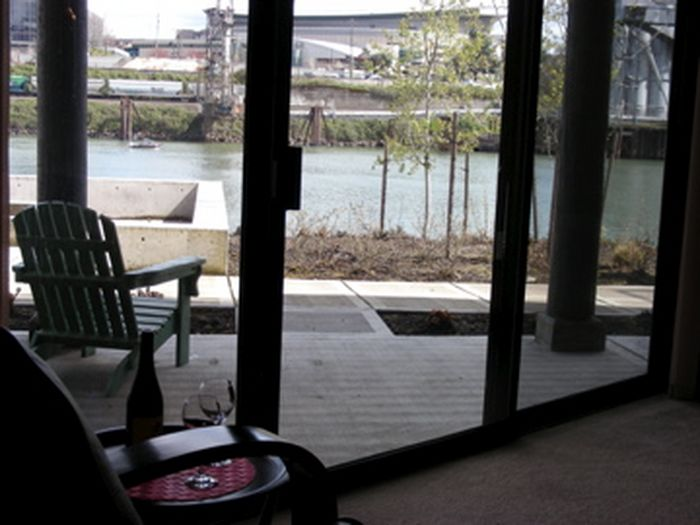 View Wonderful 1BD Riverside Condo