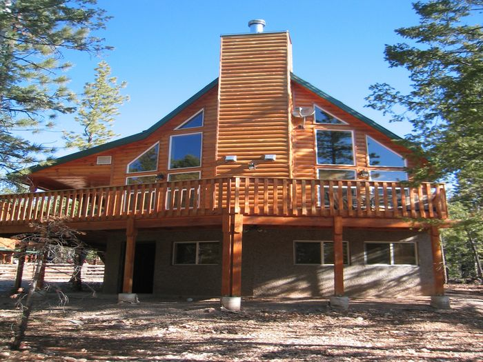 View Beautiful New Cabin  Located Between