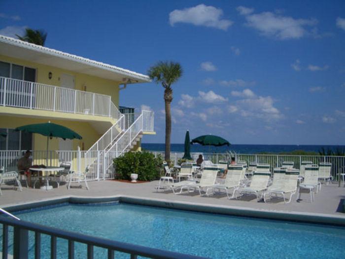 View Berkshire Beach Club of Deerfield