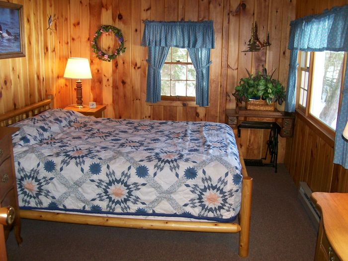 View Lakefront 2 BR Log Cabin