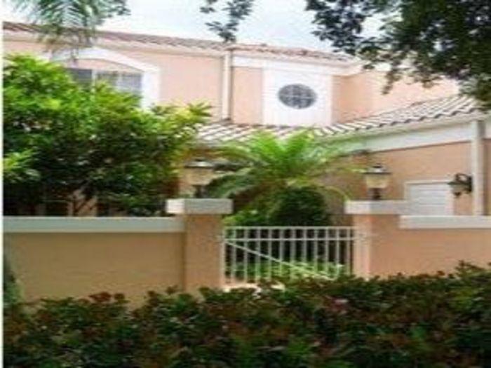View Luxury Naples FL Villa in Park