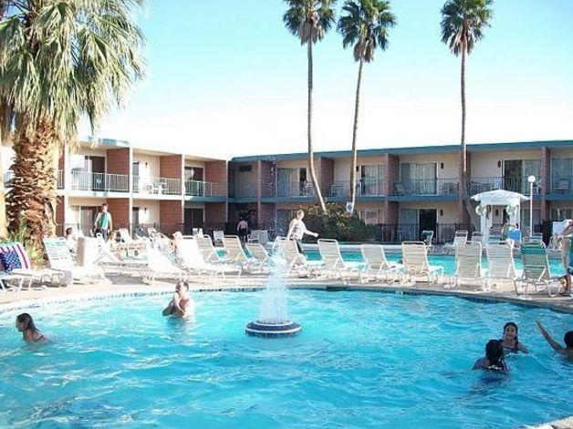 View Palm SpringsDesert Hot Springs