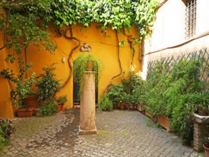 View Daniela Loft in Trastevere
