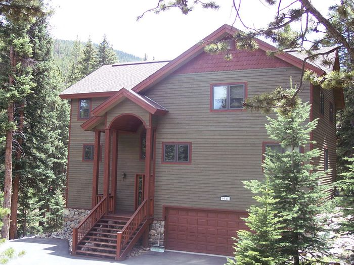 View Red Mountain Lodge Sleeps 14