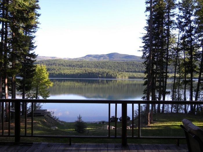 View Cariboo Lakefront Retreat