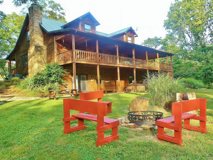 agreatertown rentals log lake nineveh in sweetwater cabins rental cabin on indiana beautiful set brown historical county vacation