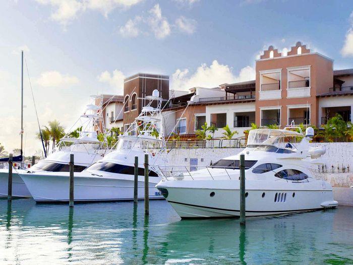 View Aquamarina Luxury Residences