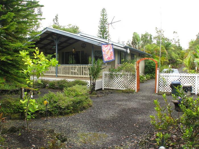 View Our Hawaiian Hideaway