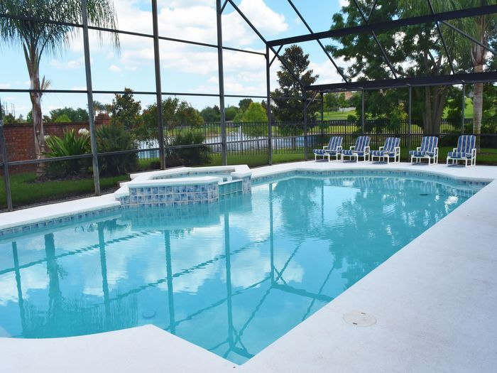 View Gigantic 40ft  Pool Spa CLOSE