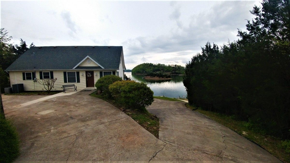 View ANGEL COVE HIDEWAY large home with