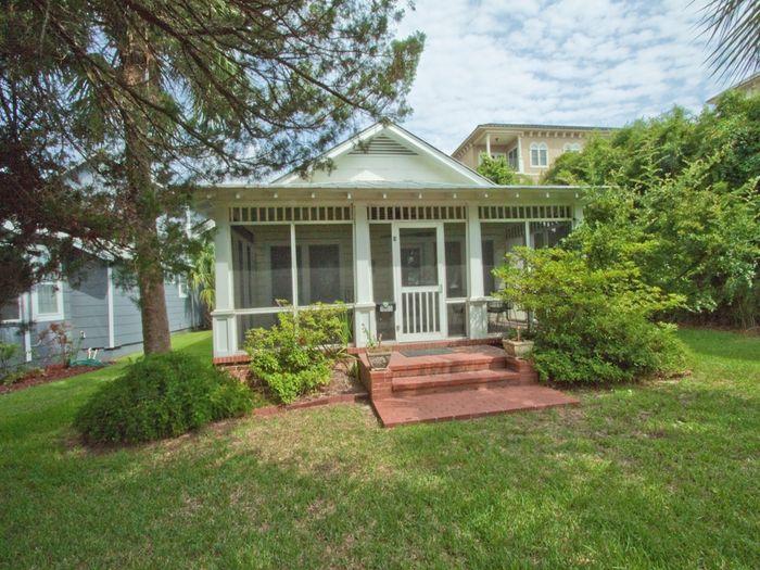 View Buena Vista Cottage