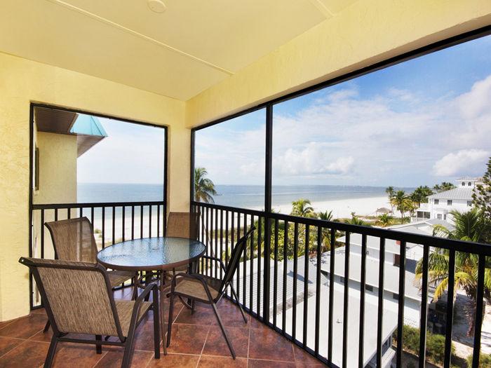 View Estero Sands 402