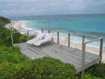 View Aarons Beachhouse