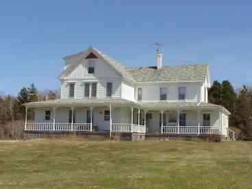 View Oceanfront Victorian Farmhouse
