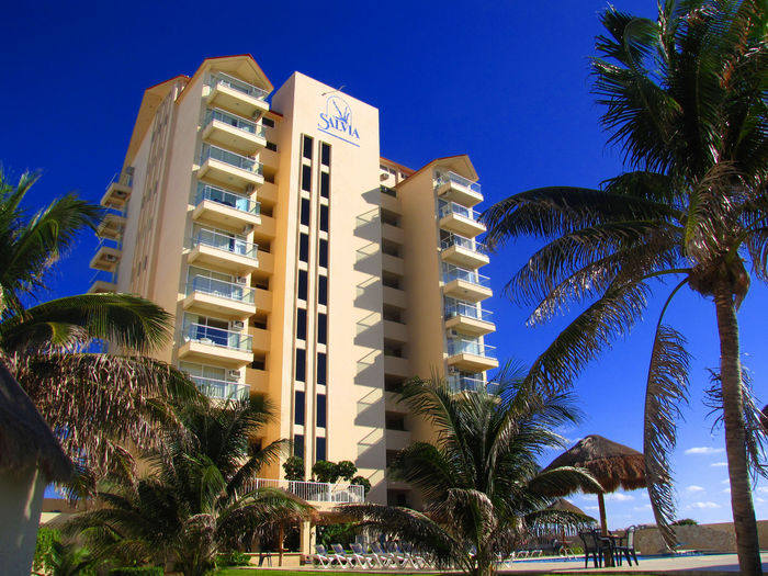 View Bombero Bills Oceanfront Condos