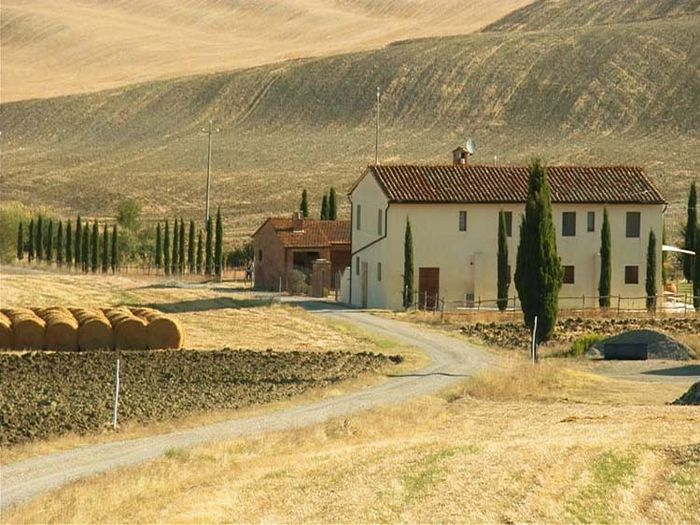 View Farmhouse Casa Orcia  holiday