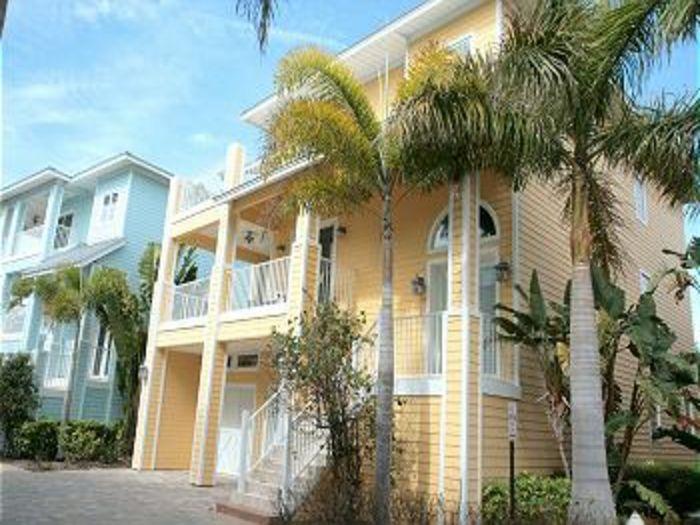 View Beachside Luxury Home Rental