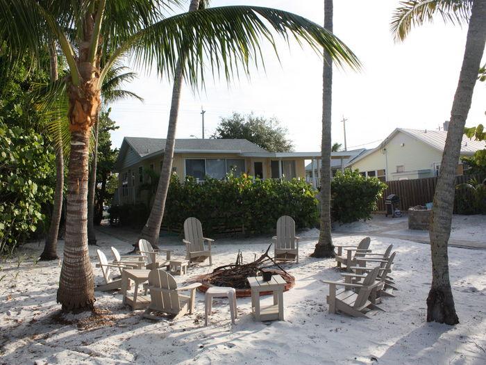 View Tropical Paradise  Beachfront