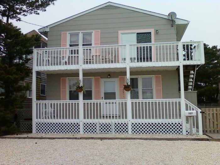 View Pet Friendly Beautiful Shore House