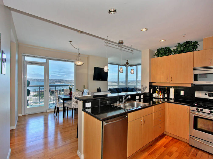 View 2BD2BA MARVELOUS CONDO WITH STUNNING