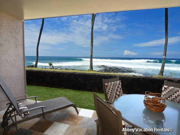 View Kona Reef Oceanfront Condo