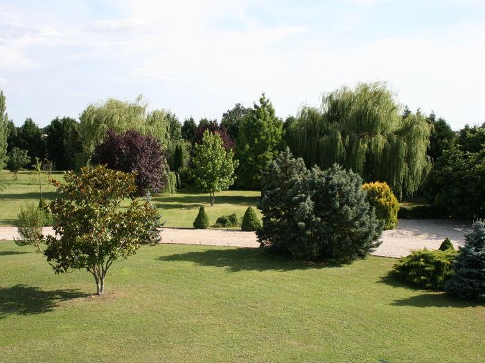 View Onze Le Bourg