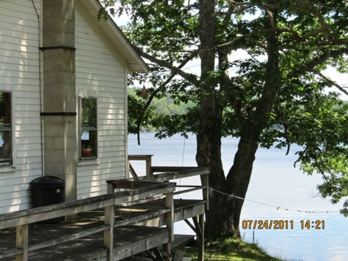 View Walker Pond Cottage