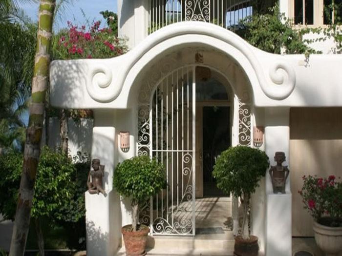 View Villa del Oso
