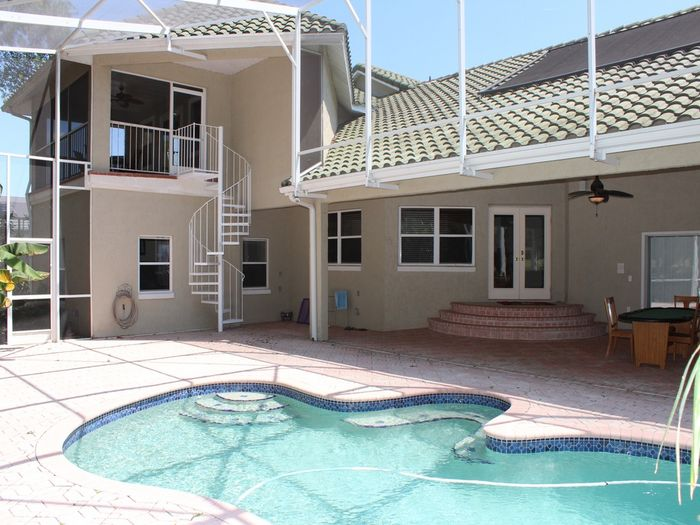 View 4Bed35baths Unit with Fabulous