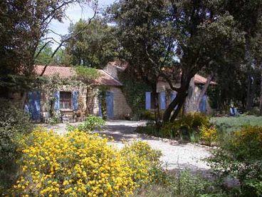 View ProvenceLa Grande PeyriereStone