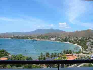 View Luxury Beachfront Pent House