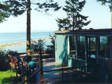 View 10000 Waves Shorefront Cabin